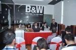khai truong showroom b&W 4-w